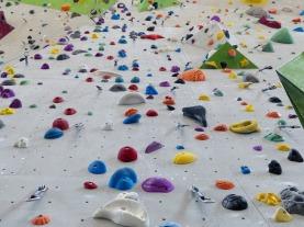 climbing-holds-101538_640